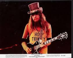 leon-guitar